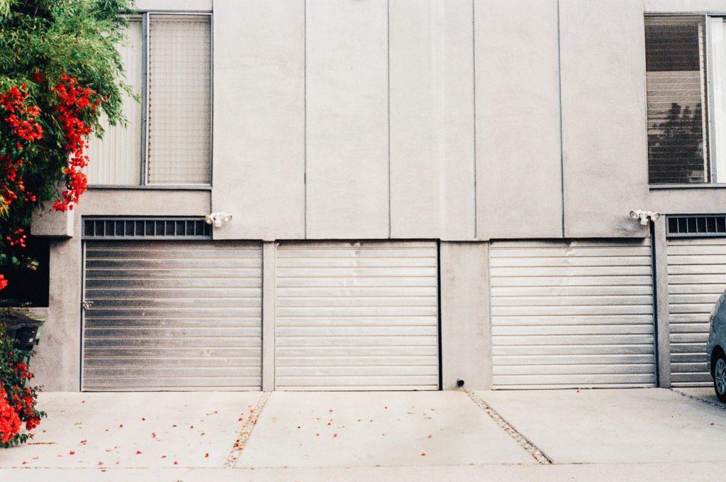paint a garage